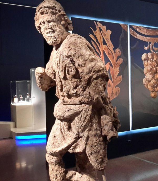 «Οδύσσεια: η Καινοτομία της Εμπειρικής Χαρτογράφησης του Αγνώστου». Διάλεξη της Ασπασίας Κουζούπη  στο Αμφιθέατρο του Εθνικού Αρχαιολογικού Μουσείου