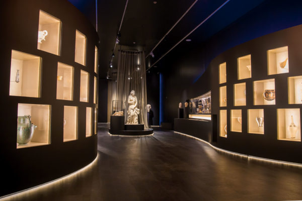 Closing of the Temporary Exhibition «The countless aspects of Beauty» at the National Archaeological Museum