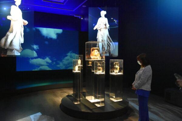 Επίσκεψη της Α.Ε. της Προέδρου της Δημοκρατίας στην περιοδική έκθεση «Δι'αυτά πολεμήσαμεν…Αρχαιότητες και Ελληνική Επανάσταση»